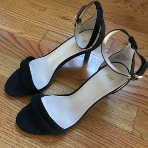Black Strappy Heel